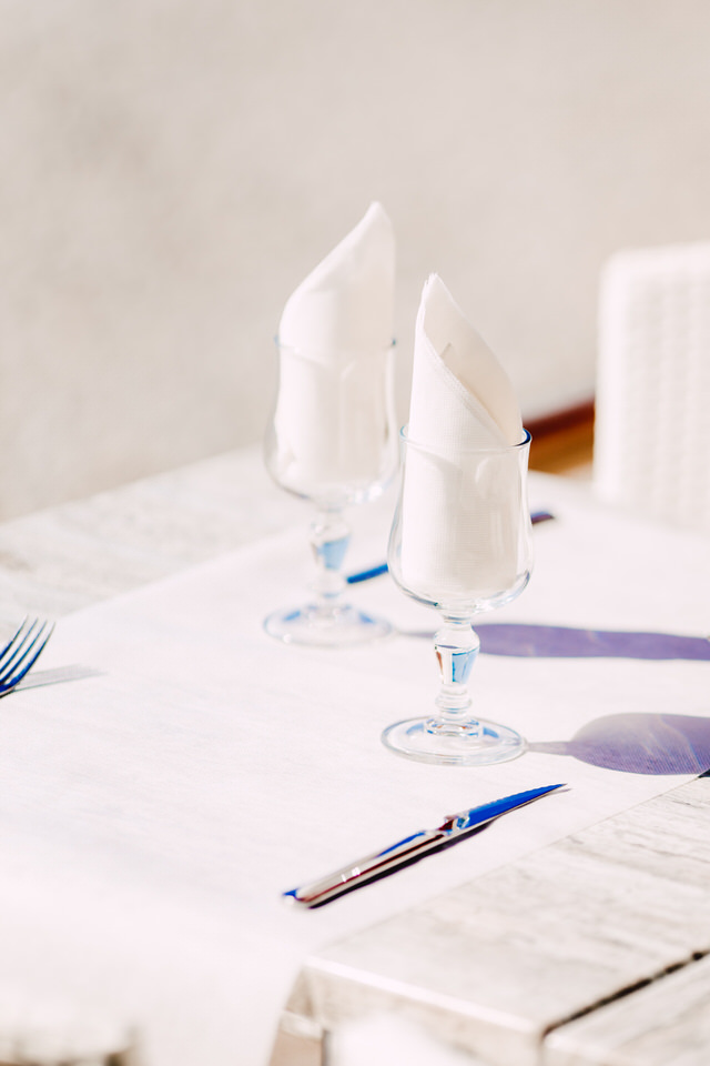 wine glass table setting